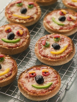 https://www.kids-cooking-activities.com/image-files/bigstock-smiley-faced-pizza-muffins-13878677.jpg