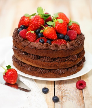 cake with berries