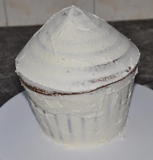 crumb coat cupcake