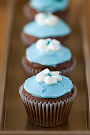 cupcakes with swirl flower