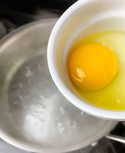 poached egg water