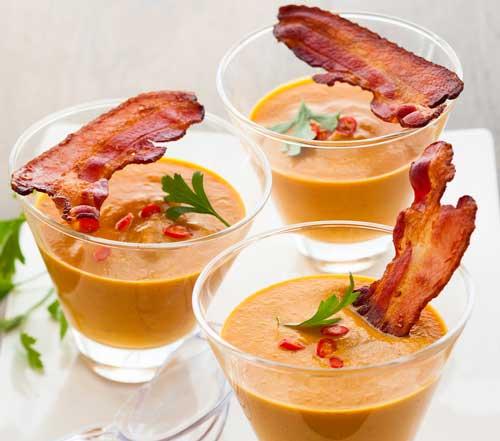 pumpkin soup with bacon strip