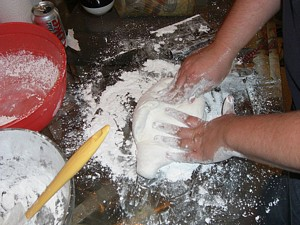 marshmallow fondant kndeading
