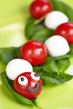 tomato mozzarella snake