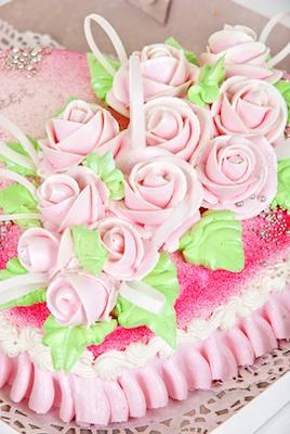 pink roses ruffle cake